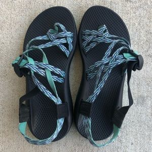 Women's Chacos with Toe Loop